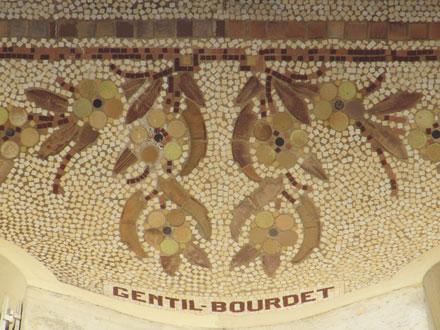 Mosaïque figurative marquée Gentil - Bourdet, rue Delestraint à Paris (75), 1911