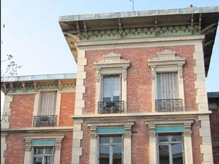 Bandeaux constitués de 2 et 3 hauteurs de carreaux du modèle Trèfle, à Courbevoie (92)