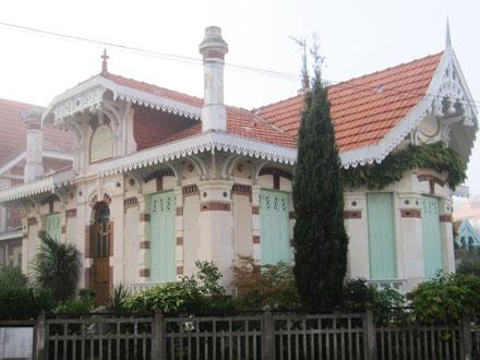 Villa « FLORECITA », cabochons et rosaces  Gilardoni fils & Cie