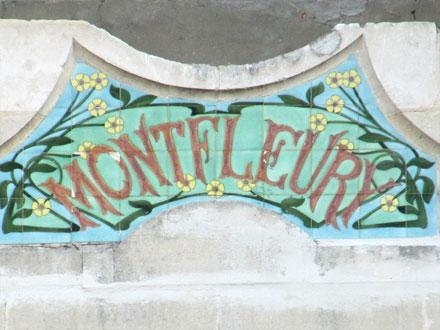 Panneau villa « MONTFLEURY », associé à des cabochons Hte Boulenger & Cie