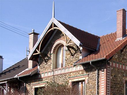 Alternance de briques et carreaux formant bandeau, Hte Boulenger & Cie