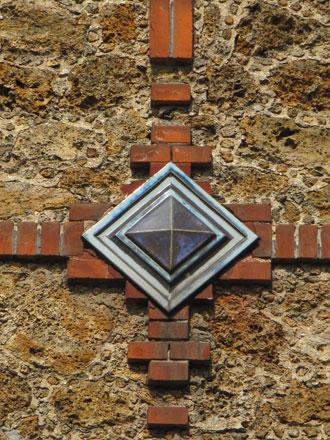 Immeuble 7 rue Jacquart, meulière, brique, pointe diamant de Janin & Guérineau