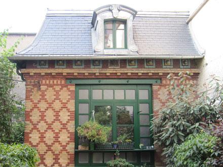 Rue Cornet, jeux de briques et cabochons émaillés Brault Gilardoni