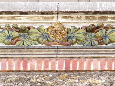 12 rue Weber, meulière, brique, panneau en relief émaillé Ch. Guérineau & Cie