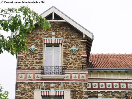 Métopes et rosaces posées en bandeau, Gilardoni fils A. Brault & Cie