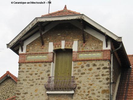 Frise « Les arceaux » des Faïenceries de Sarreguemines
