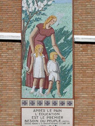 Ecole de filles, 19314, rue Romain Rolland aux Lilas (93), mosaïque