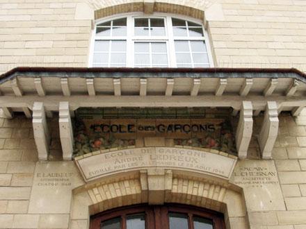 Ecole des filles, Ecole des Garçons, 1904, rue St Nicolas à Maisons Laffitte (78), grès de Bigot