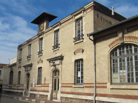 Ecole de garçons, Ecole de filles, 19014, rue Blanqui à St-Ouen (93), céramiques E. Muller & Cie