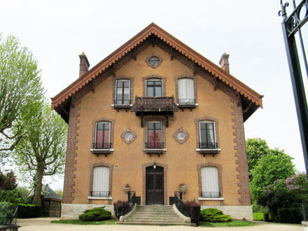 Médaillons Eté et Printemps, à Montereau (77)