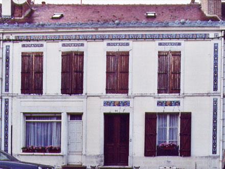 Décors de la Faiencerie Hte Boulenger & Cie à Ervy-le-Chatel (10), ajout prévu d'une frise