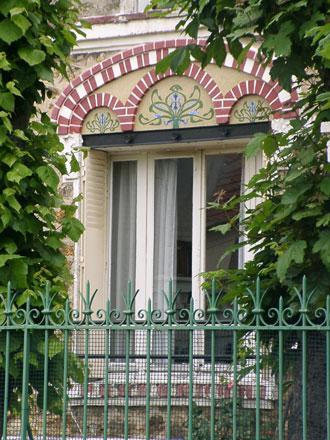 Panneau iris en mosaïque à Villemomble (93)
