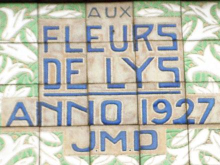 FLEURS DE LYS ANNO 1927 JMD à Desvres (62)