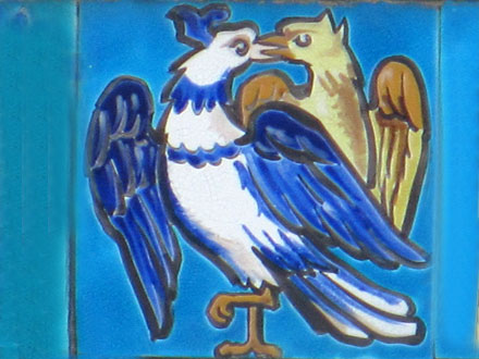 Couple d'oiseaux sur un carreau, Aulnay-sous-Bois (93)
