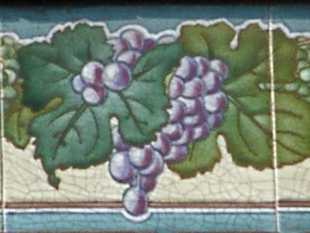 Détail d'un panneau représentant la vigne, par Hte Boulenger & Cie, à Noisy-le-sec (93)