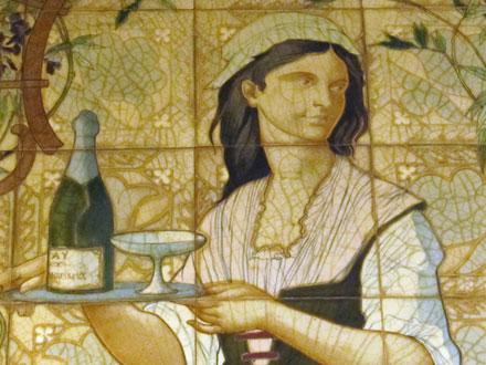 Détail du panneau ornant un café à Paris, la serveuse apporte une coupe et du «mousseux»,
