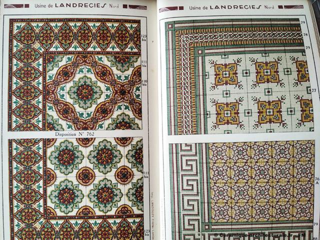 Page du catalogue de la Compagnie française de mosaïque céramique de Maubeuge (59) usine de Landrecies s.d. Carreaux à dessins